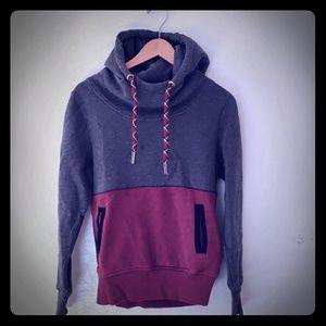 DRAVUS women's hoodie